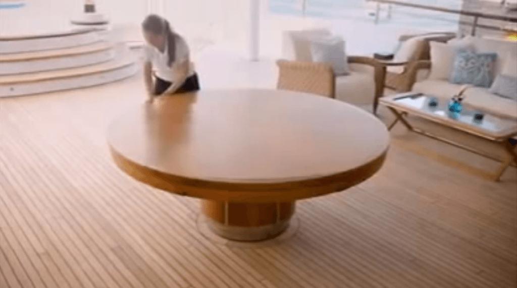 Ecco il tavolo che tutti sognano | Video